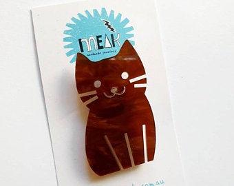 MEAK - Marble Brown Cat Brooch / Badge
