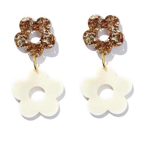 Lola Flower Earrings - EMELDO