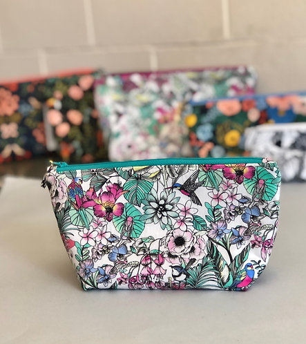 SWEETLY STITCHED - Med Cosmetic Bags