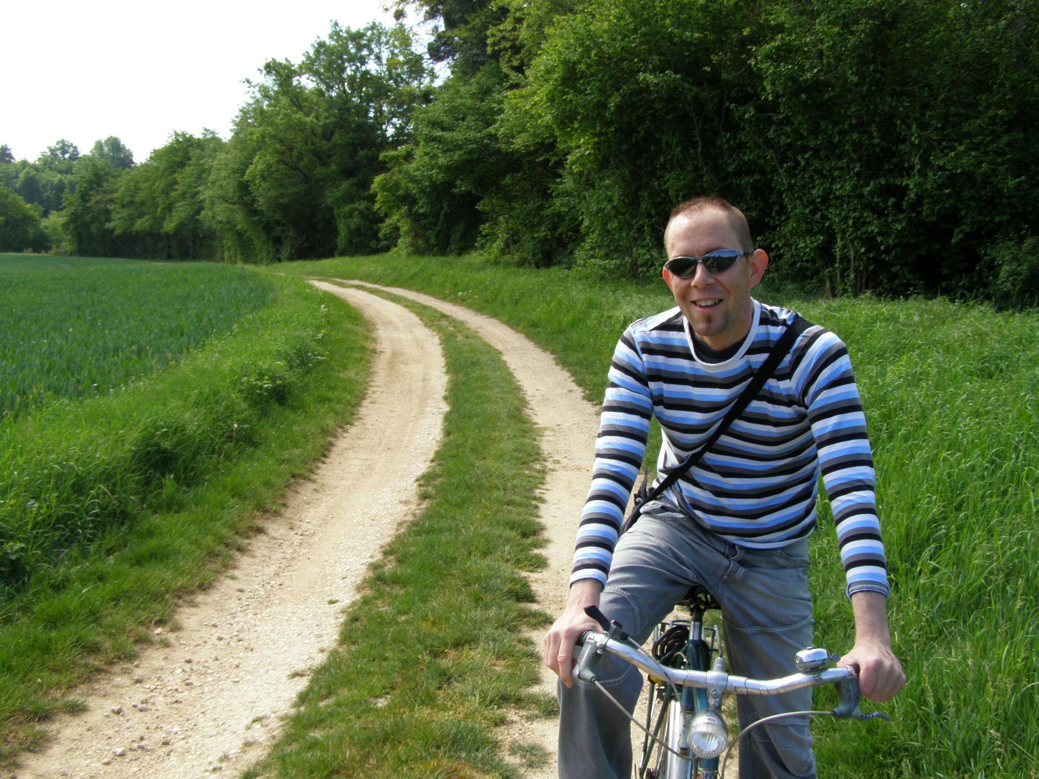 Frederik fietst