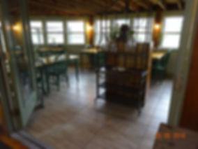 dinningroom.jpg