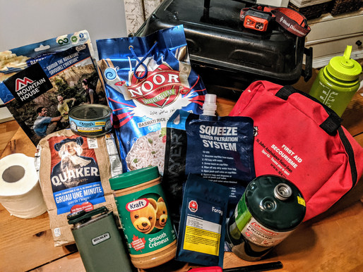 Using The 10 Hiking Essentials For Emergency Preparedness