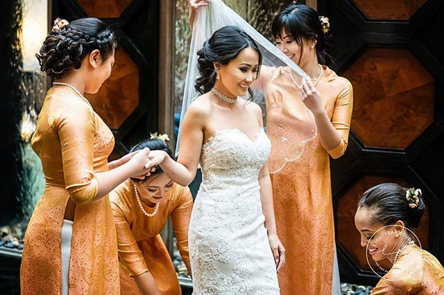 Did this beautiful bride and her bridesm