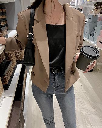 everyday cropped shoulder pad blazer