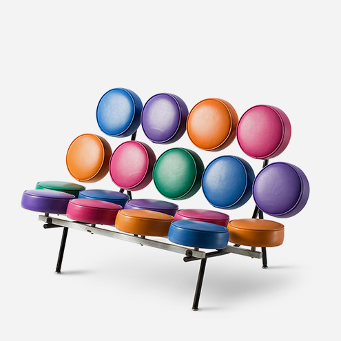 The Marshmallow Sofa was designed in 1956 by George Nelson and Irving Harper (photo by Jurgen Hans).