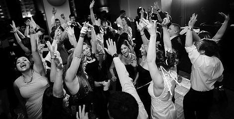 8-Dallas-Wedding-DJ-LeForce-Entertainmen