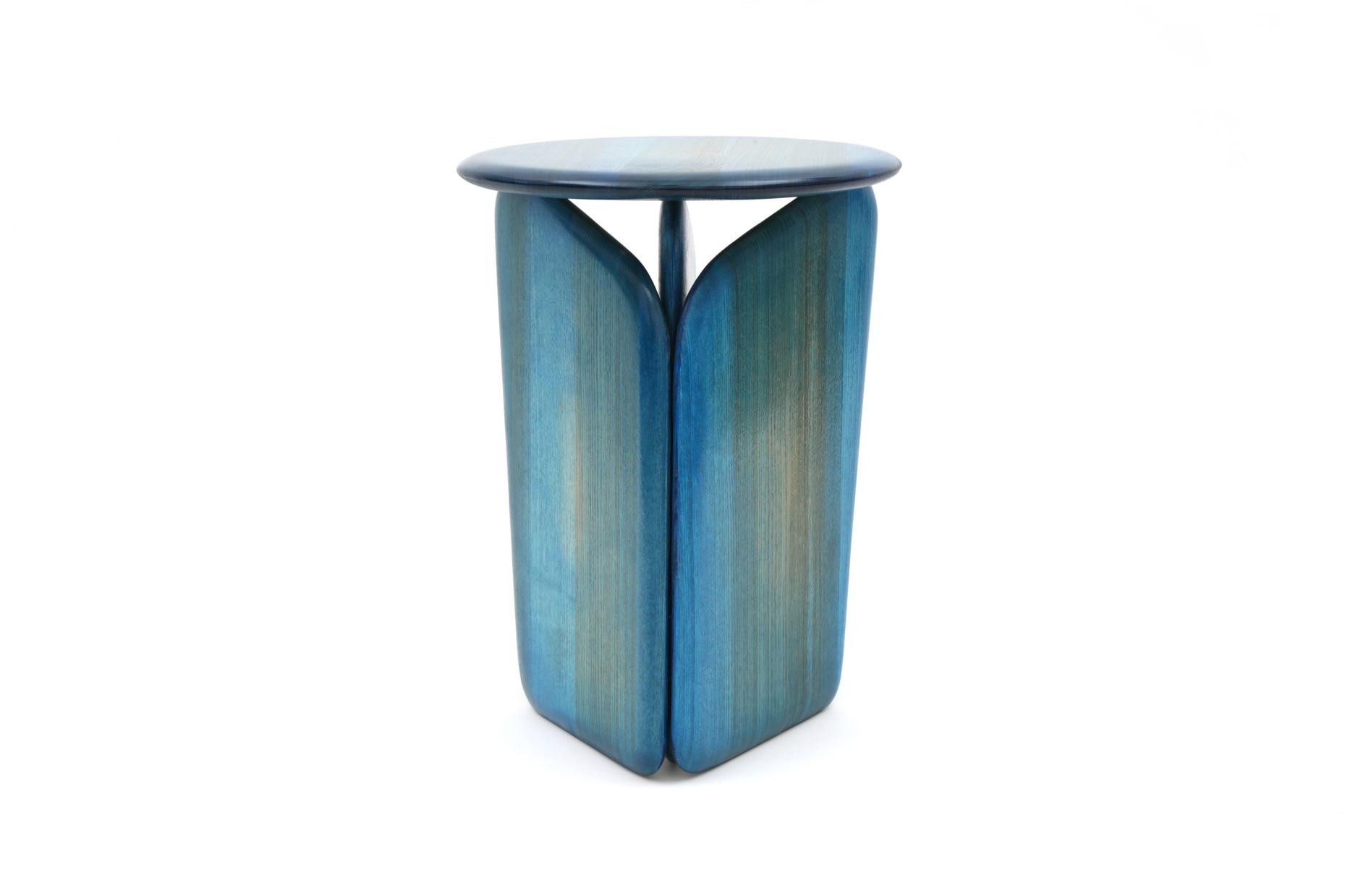 Vent Contraire blue stool