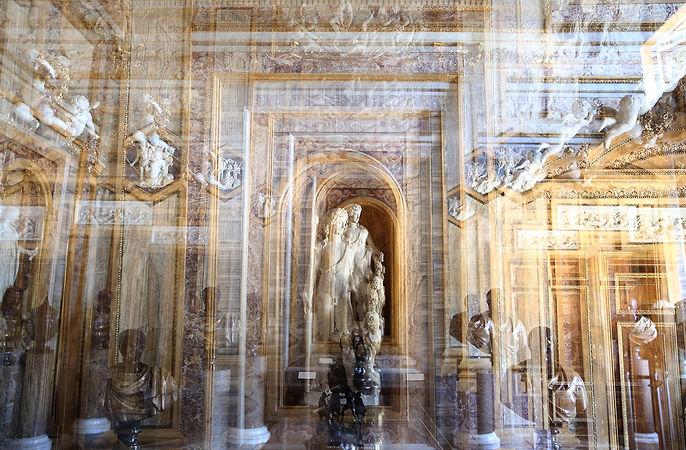 Statue Room Villa Borguese 3.jpg