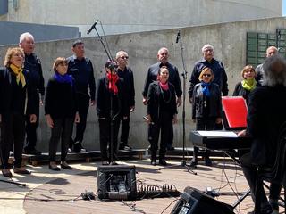 מקהלת שרים מהלב
