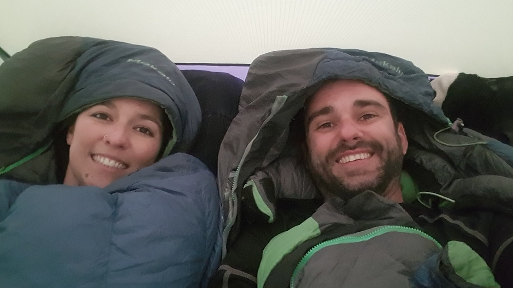 Usando os novos sacos de dormir para -40° centígrados... luxo!