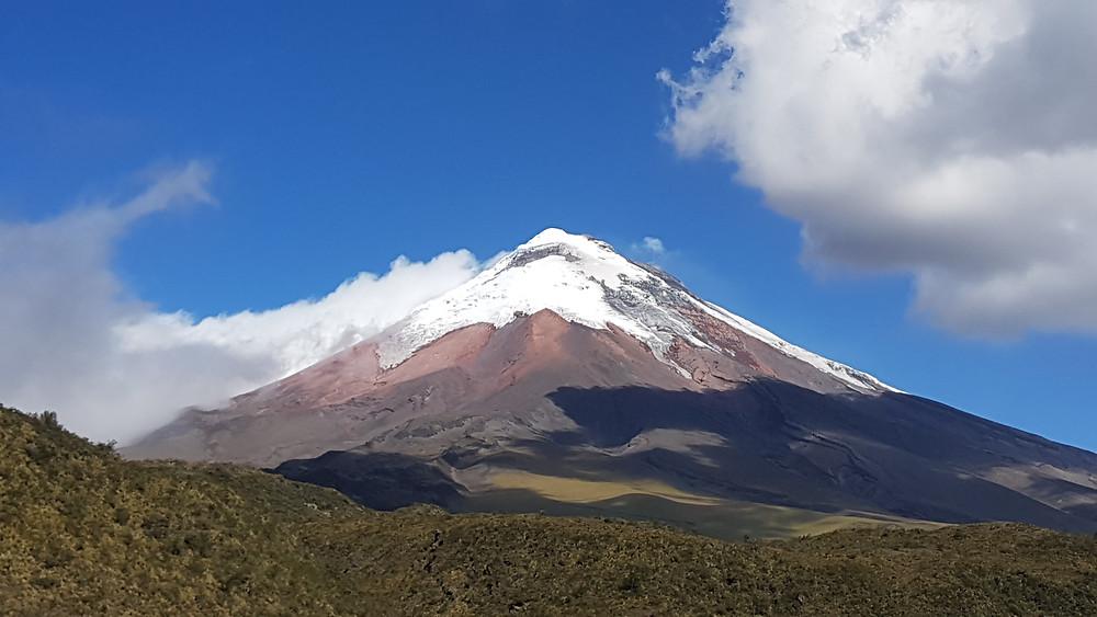O vulcão Cotopaxi, segunda maior montanha do Equador, com 5.897m de altitude