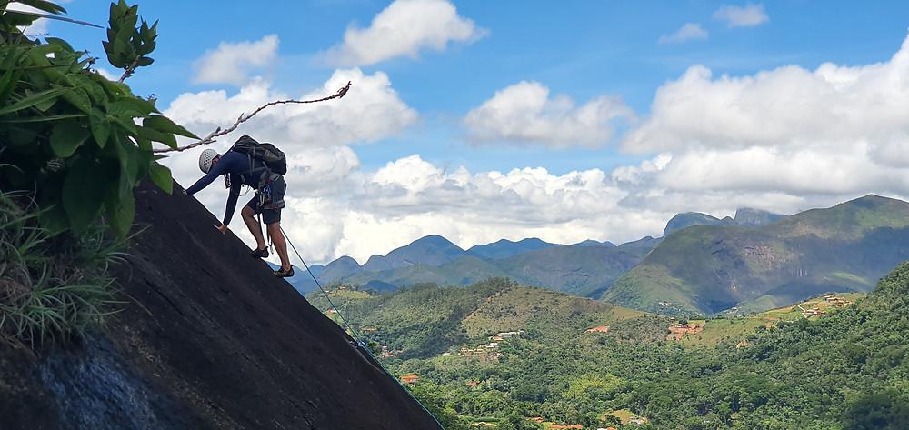 """Waldecy Lucena guiando a """"Esotérico"""" (D1 2º IV E2 - 90m) - Pedra do Moinho"""