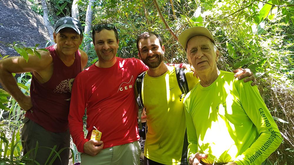 Na base da via: Antonio Paulo, Gustavo Carrozzino, Pedro Bugim e Carlos Carrozzino