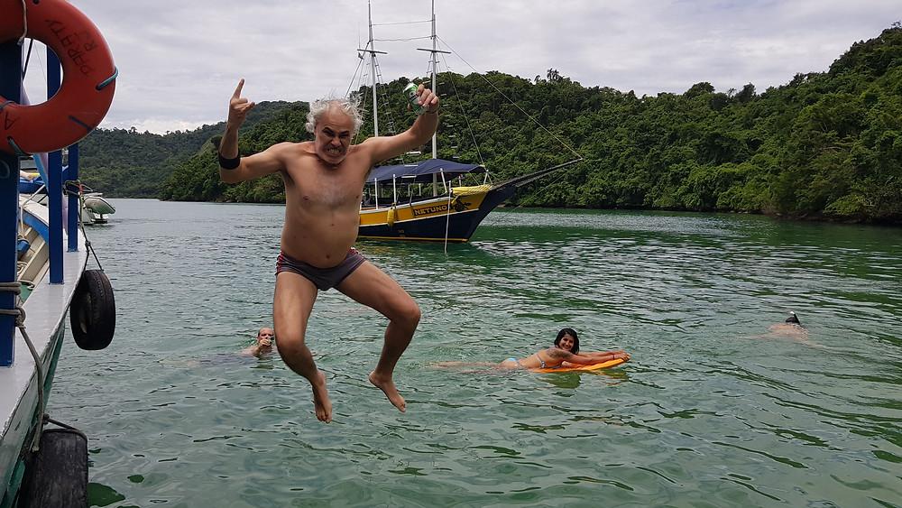 """Bodão e seu mergulho """"Rock'n Roll"""""""