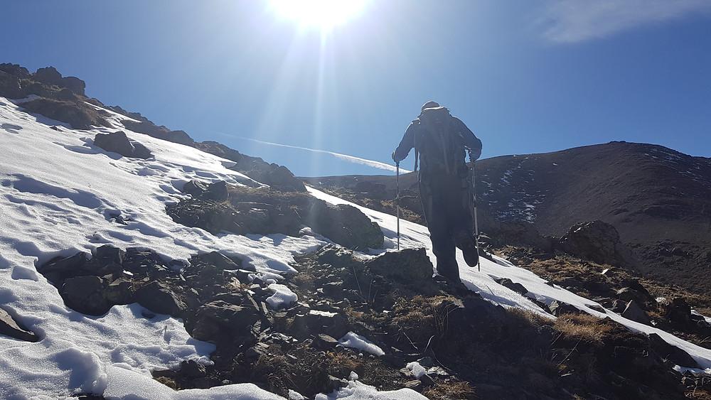 Laura Petroni subindo o Lomas Blancas (3.850m)