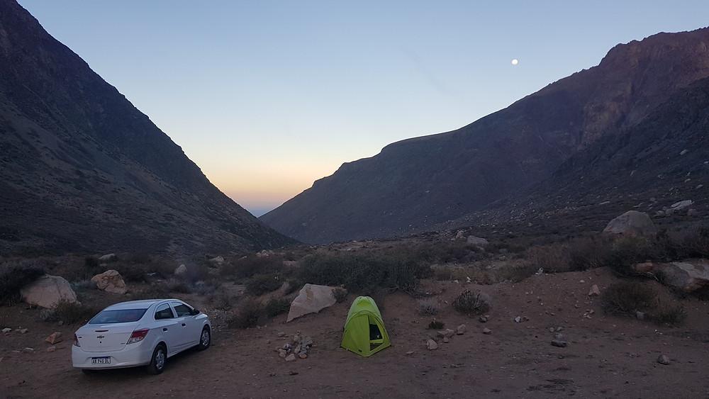 Nosso acampamento em Arenales, no limite onde o carro chegou. Luxo!