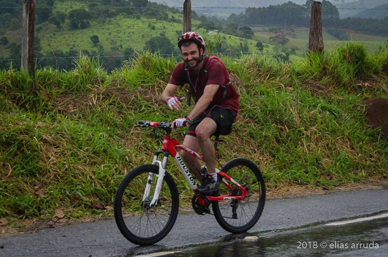 Pedro Bugim no início da jornada, saindo de Cunha / SP