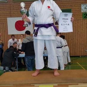 Sydney Holley vom Karate Dojo Groß-Umstadt ist Süddeutsche Karatemeisterin