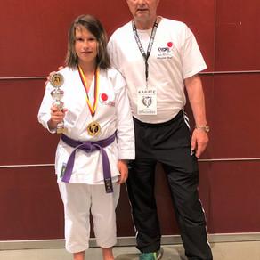 Sydney Holley gewinnt die Bronzemedaille bei den Deutschen Karatemeisterschaften