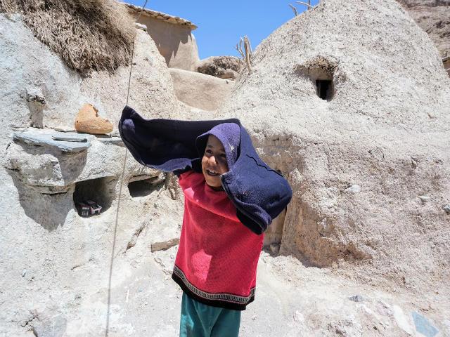 イラン マーフーニーク村の男の子