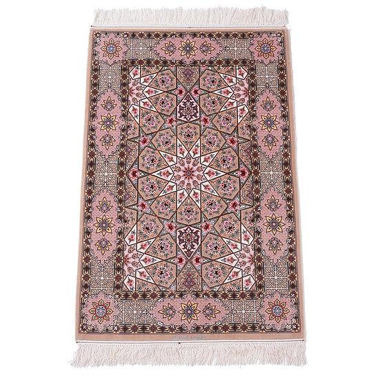 ペルシャ絨毯 イスファハン 132×88cm