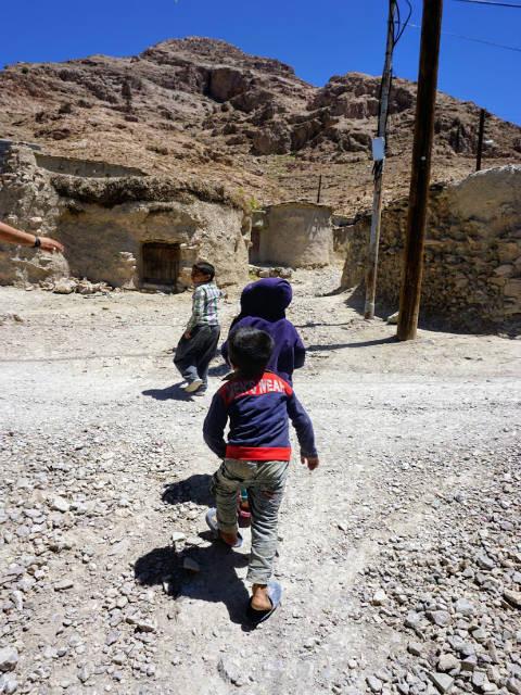 イラン マーフーニーク村の子供たち