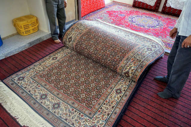 ドロフシュ 絨毯