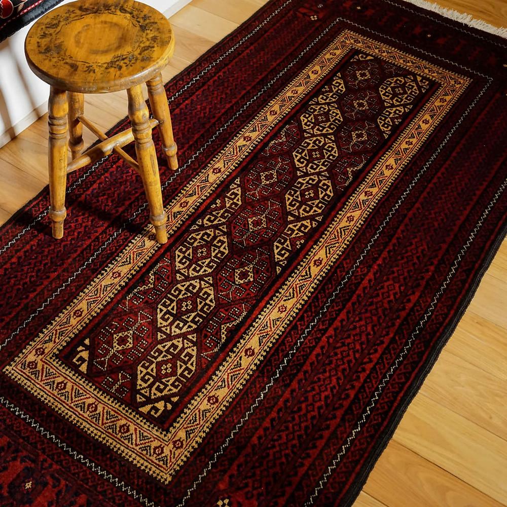 ホラーサーンバルーチの絨毯の紹介