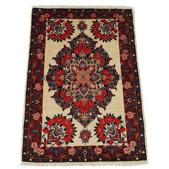 ペルシャ絨毯 バフティヤーリー 150×107cm