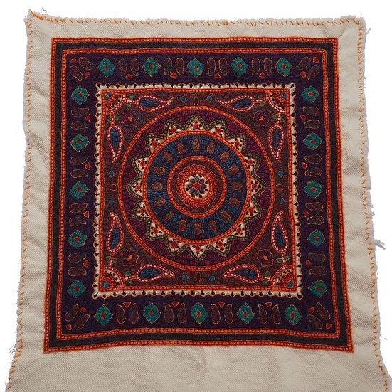 ケルマーン刺繍 パテ 40×38cm