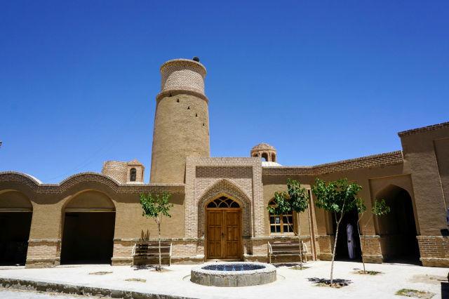 フールグ村のマスジェド モスク