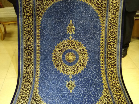 イランで絨毯を買うには