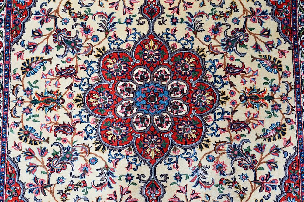 本来のビージャールの絨毯