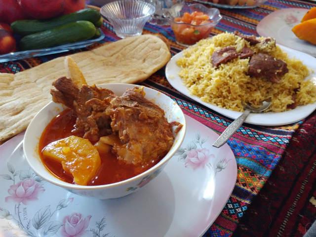 トルキャマン風羊肉ポロウ 子牛のシチュー