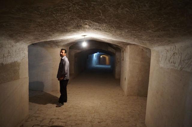 ナイン モスク内部