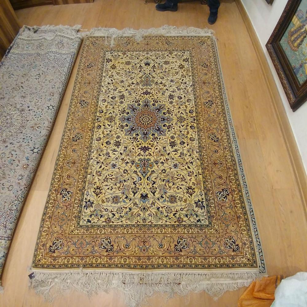 サッラーフマームーリー イスファハン絨毯
