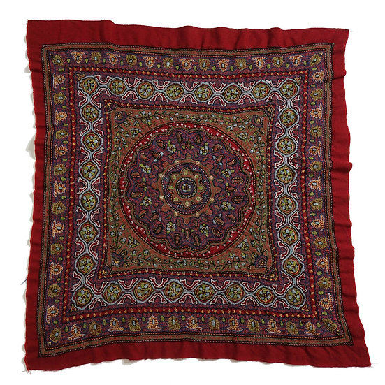 ケルマーン刺繍 パテ 90×84cm 草木染糸
