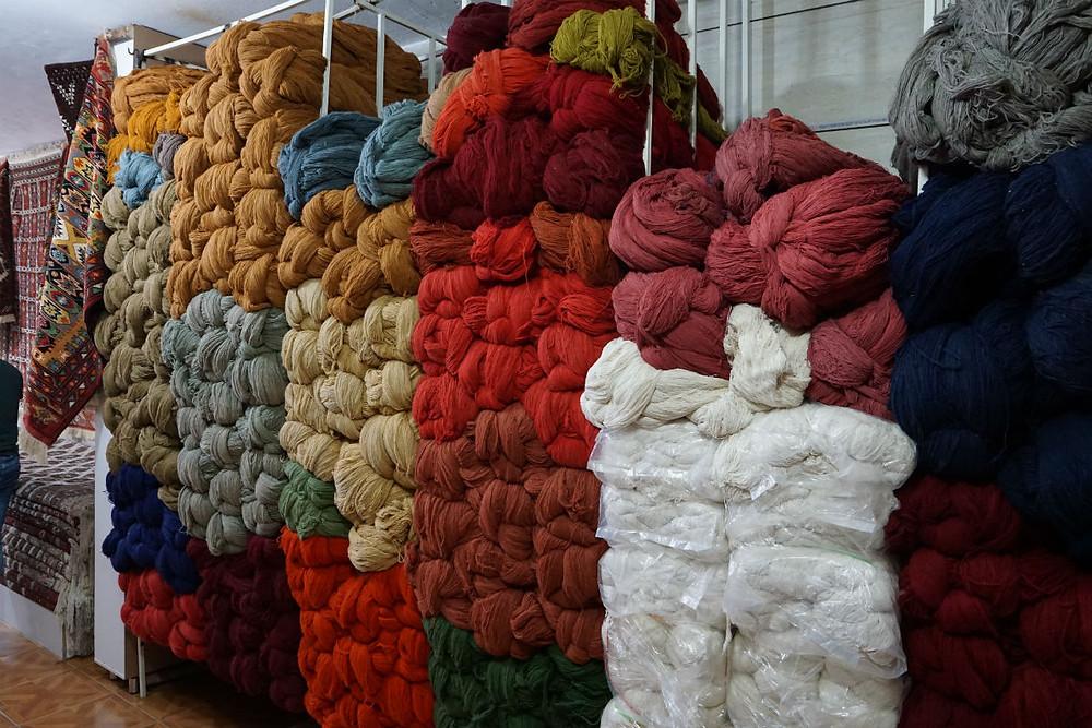 ゴンバデカーヴース絨毯