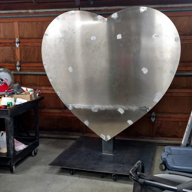 Rally Health Grateful Heart Sculpture & Wrap