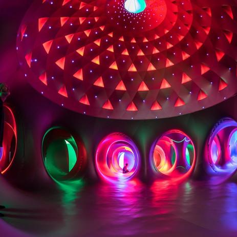 """Luminarium """"Albesila"""": een magisch luchtkasteel"""