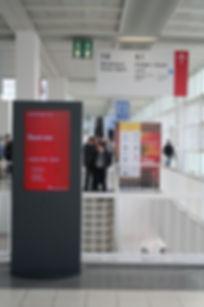 100980 - Stele Mediatalent - Messe Frank