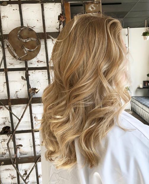 Blonde balayage by Sheriene