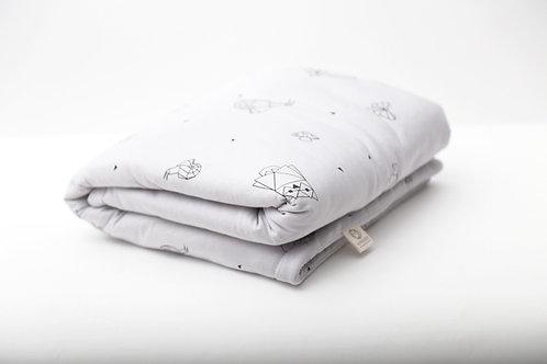 שמיכה קלה עם מילוי מפנק בצבע לבן