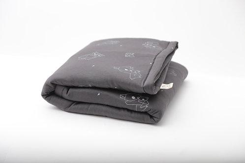 שמיכה קלה עם מילוי מפנק בצבע אפור שחור