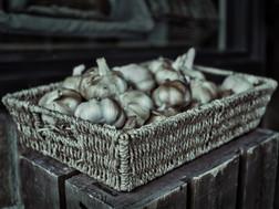 Split Toned Garlic
