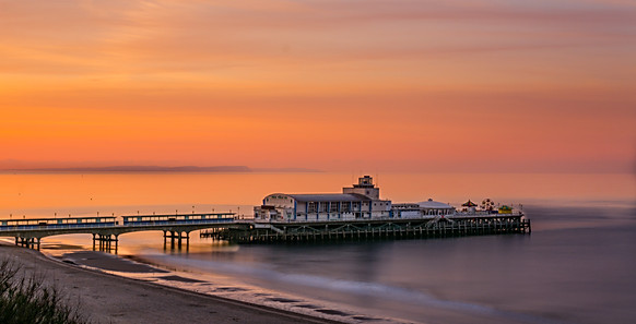 Bournemouth Pier at Sunrise.jpg