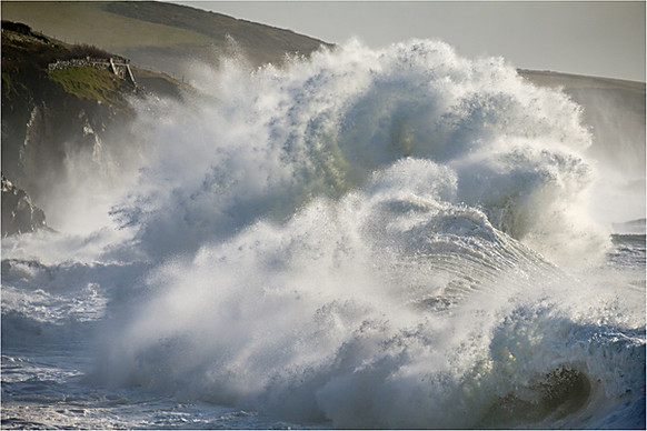 Breaking Wave at Porthleven