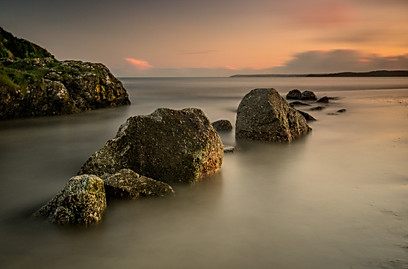 Par Beach Rocks at High Tide