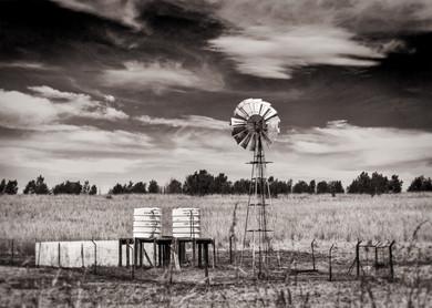 Windmill water pump.jpg