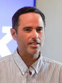 Lee Neves